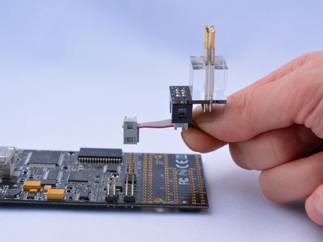 ISP-Adapter zum Mikrocontroller-Programmieren ohne Stecker